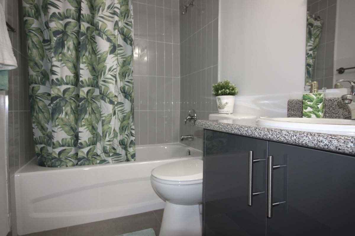 Best 2 Bedroom Apartments For Rent Hamilton At Halstead Gardens Renterspages Com With Pictures