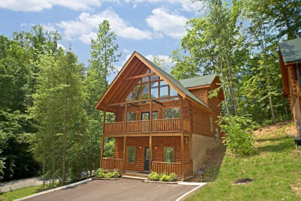 Best 5 Bedroom Cabin Rental Pigeon Forge Tn With Pool Access With Pictures