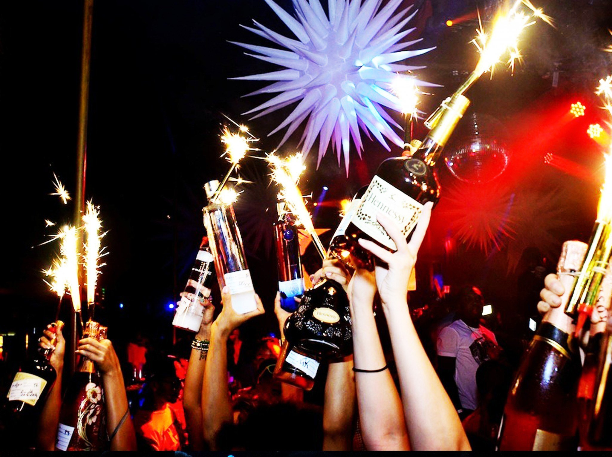 Best Bottle Service And Hummer Tour With Pictures