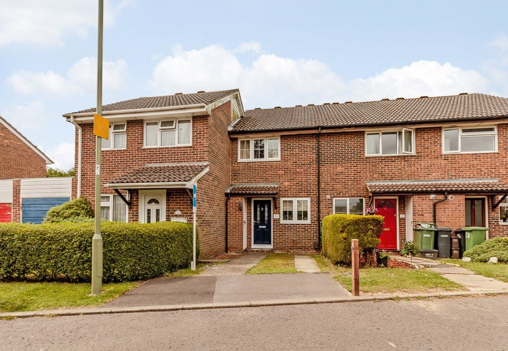 Best 2 Bedroom Terraced House For Sale In Chillerton Netley With Pictures