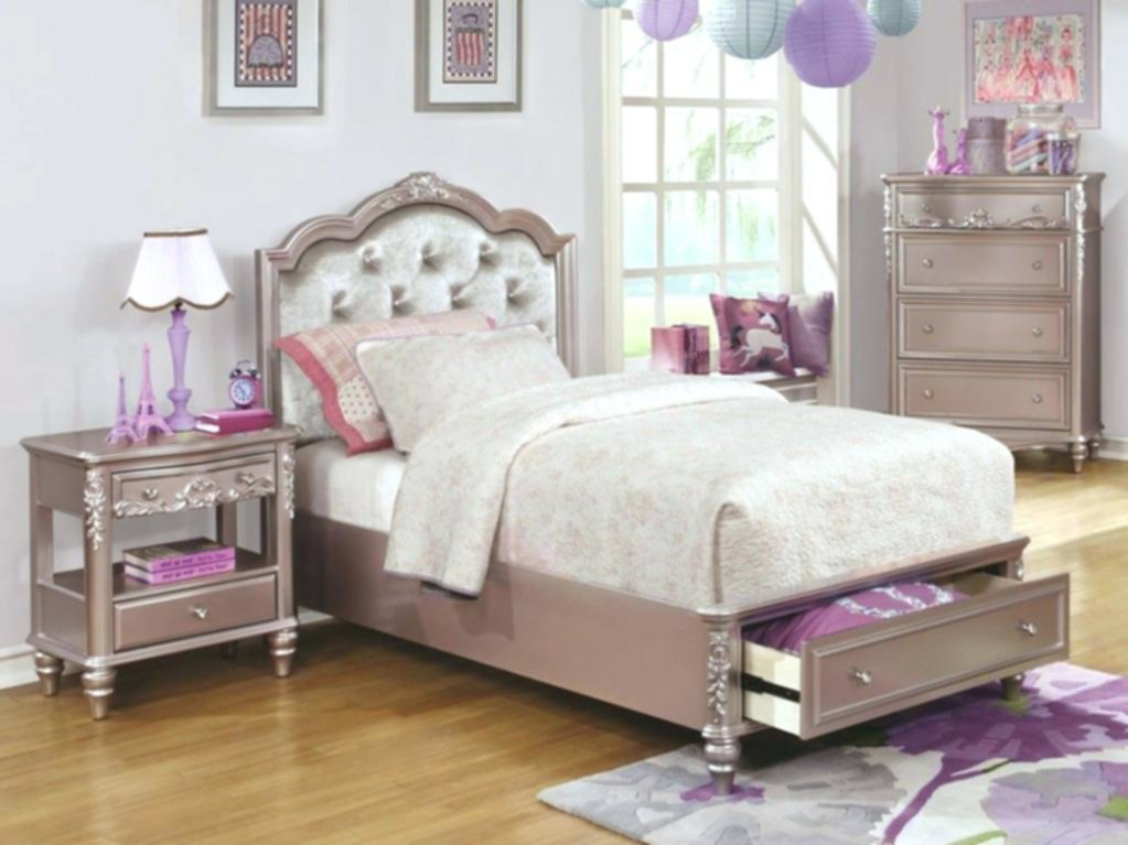 Best How To Arrange Coralayne Bedroom Set Walsall Home And Garden With Pictures