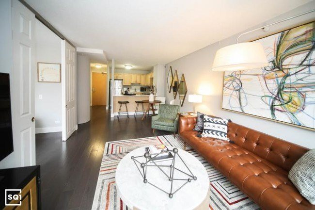 Best 2 Bedroom In Chicago Il 60605 Chicago Il Apartment Finder With Pictures