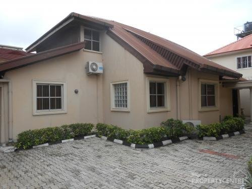 Best For Rent 3 Bedroom Bungalow Fully Fitted And Serviced With Pictures