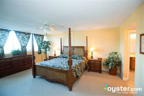Best The Three Bedroom Condo At The Regency Towers Oyster Com With Pictures