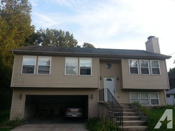 Best 3Br Nice 3 Bedroom House For Rent For Rent In Lansing With Pictures
