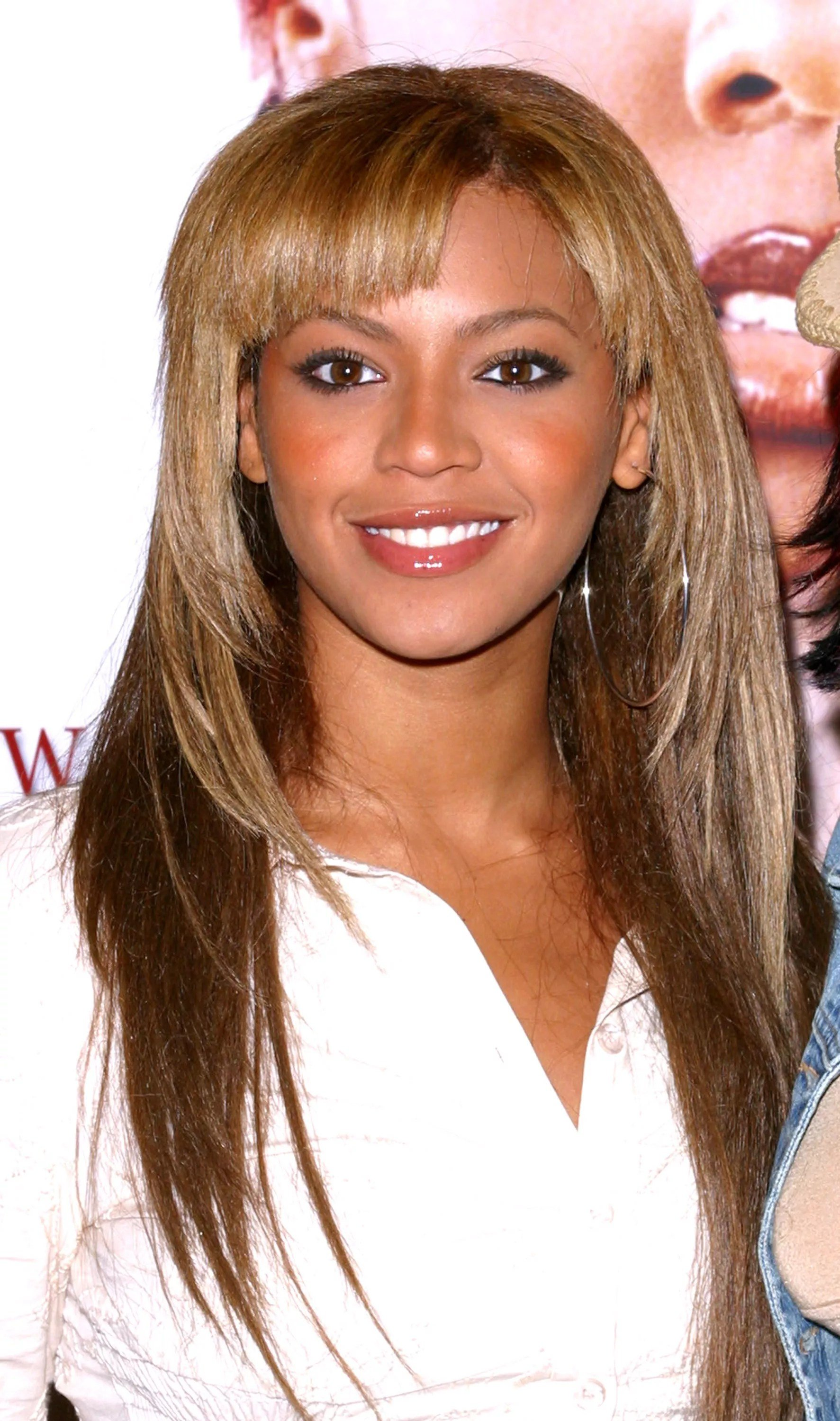 Free 17 Popular Hairstyles You Ll Remember From The 2000 S Wallpaper