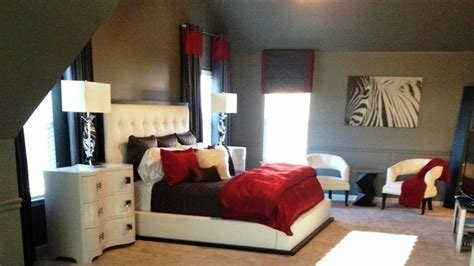 Best Stunning Red Black And White Bedroom Decorating Ideas With Pictures