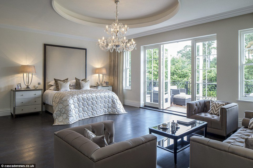 Best Surrey Mansion With Eight Bedroom Suites And Private With Pictures