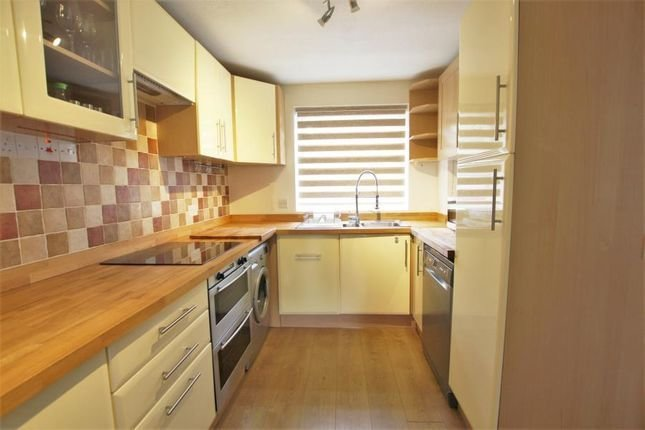 Best 2 Bedroom Property To Rent 51618968 Primelocation With Pictures