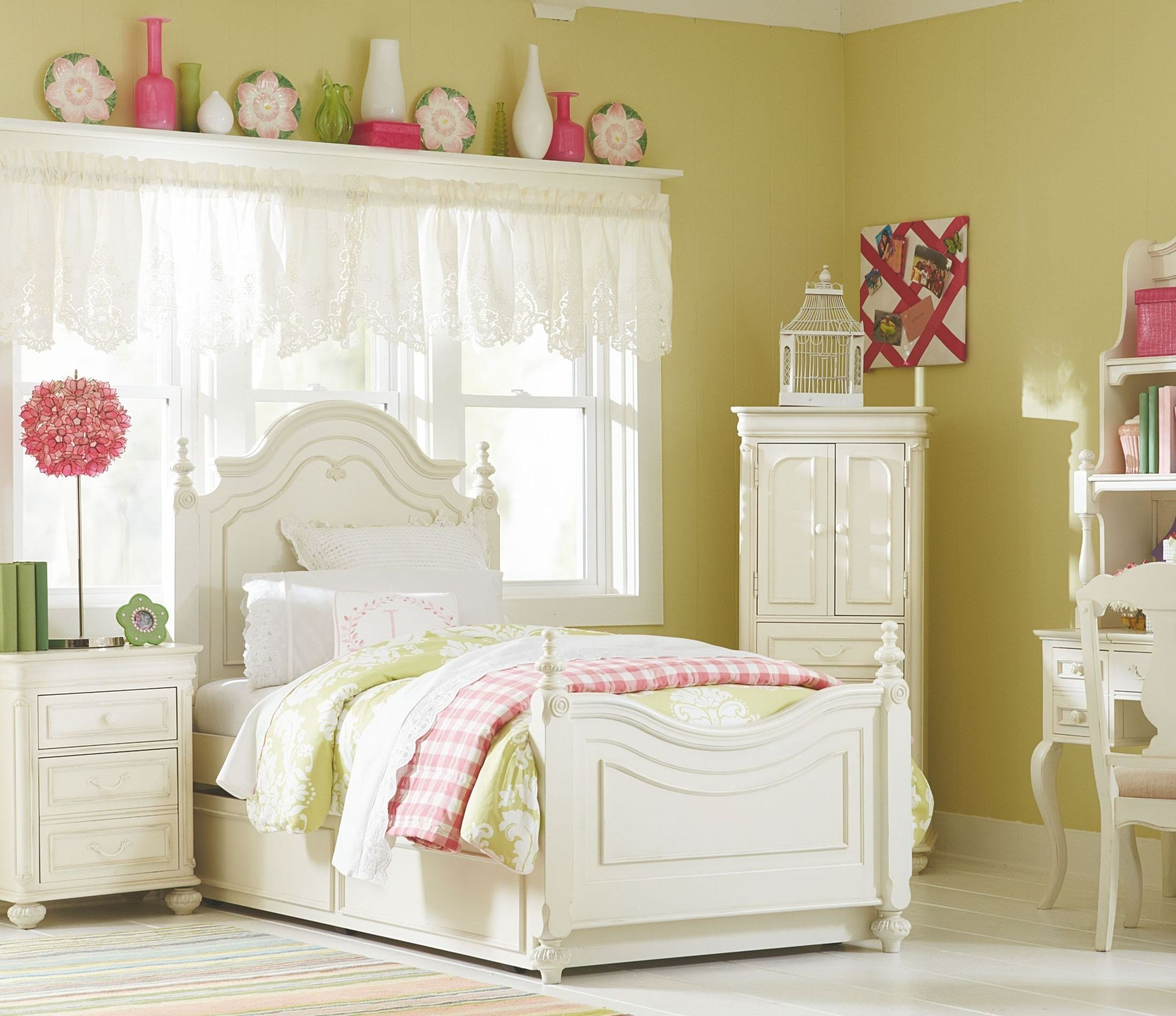 Best Charlotte Youth Low Poster Bedroom Set From Legacy Kids With Pictures