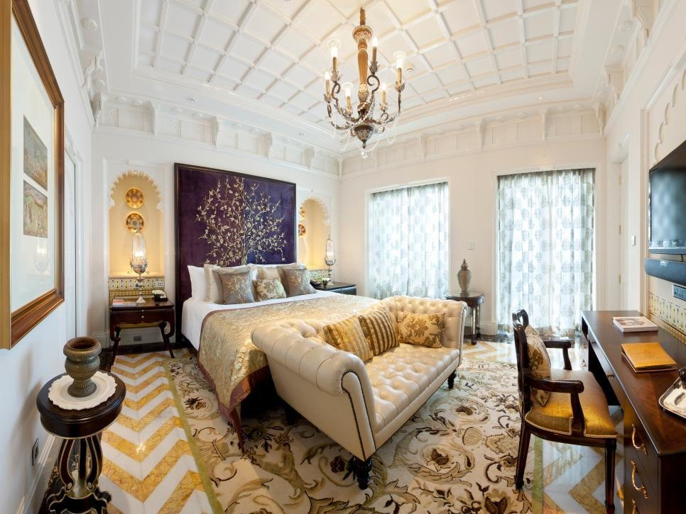 Best Tour The World S Most Luxurious Bedrooms Hgtv With Pictures