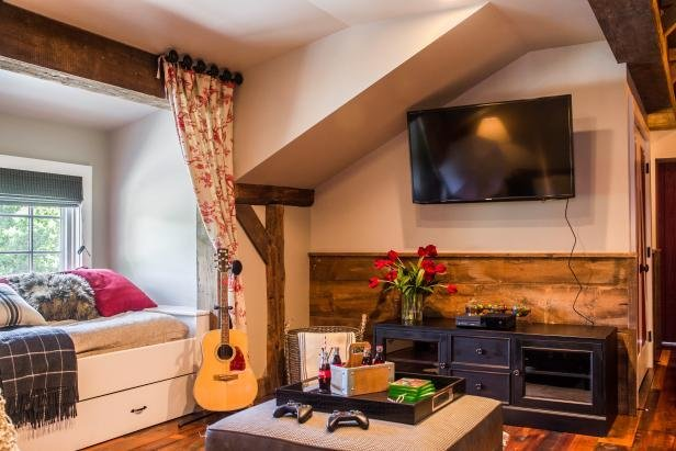 Best Tour This Playful And Functional Barn Style Kids Room With Pictures