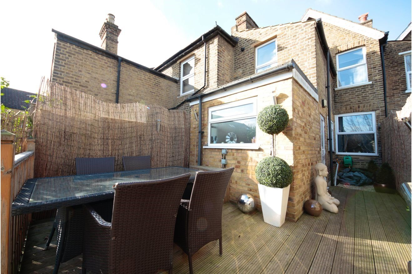 Best 3 Bedroom Terraced House For Sale In Homesdale Road With Pictures