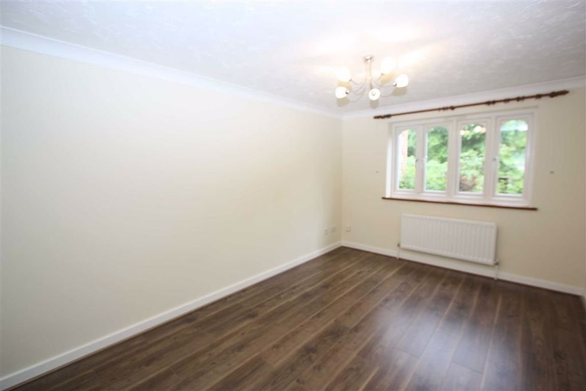 Best 1 Bedroom Flat To Rent In Westminster Gardens North With Pictures Original 1024 x 768