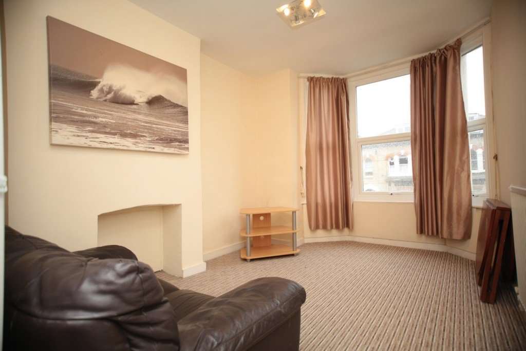 Best 1 Bedroom Flat For Sale In Lisner House Second Avenue Hendon Nw4 London With Pictures