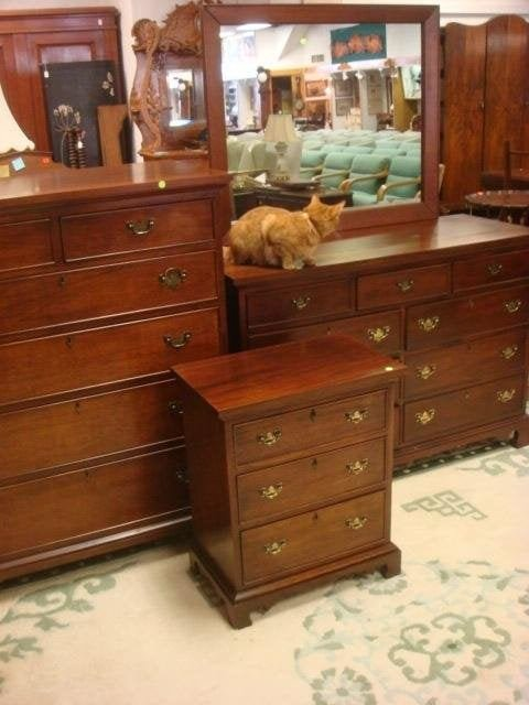 Best 258 Craftique Warsaw Mahogany Dresser Chest Night St Lot 258 With Pictures