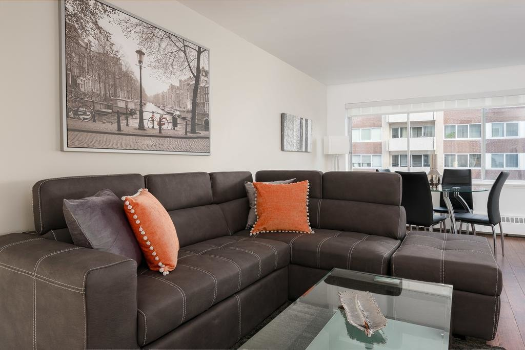 Best Luxury 1 Bedroom Apartment Downtown Montreal 01 Canada With Pictures