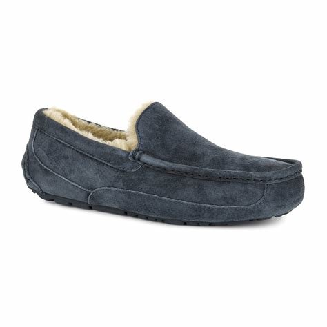 Best Buy Ugg® Men S Ascot Slippers New Navy Amara With Pictures