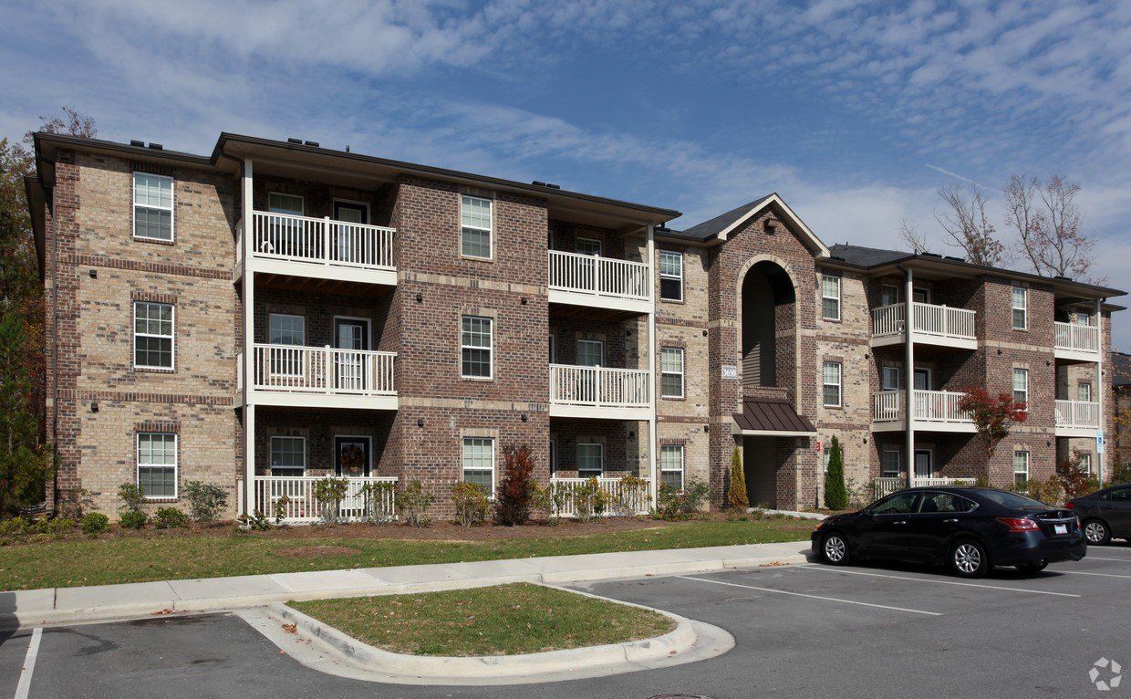 Best Innisbrook Village Apartments Apartments Greensboro Nc With Pictures