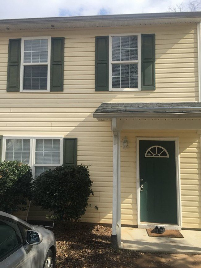 Best 4 Bedroom 2 5 Bath Elegant Townhome Townhouse For Rent With Pictures