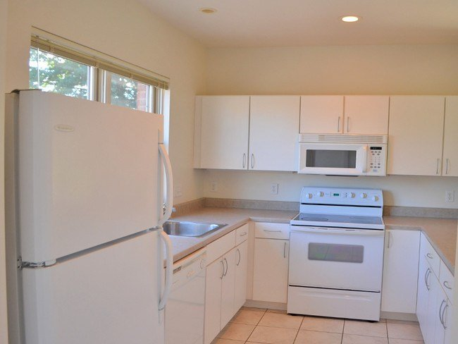 Best Cranberry Court Apartments Erie Pa Apartments Com With Pictures