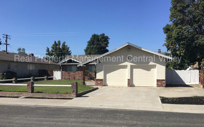 Best Modesto 3 Bedroom 2 Bath Single Story Home House For With Pictures