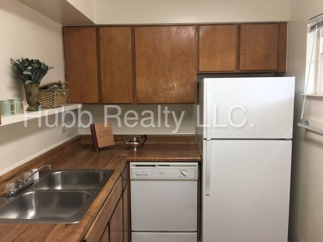 Best Nw Reno 2 Bedroom Apartment It S Purrfect Apartment With Pictures