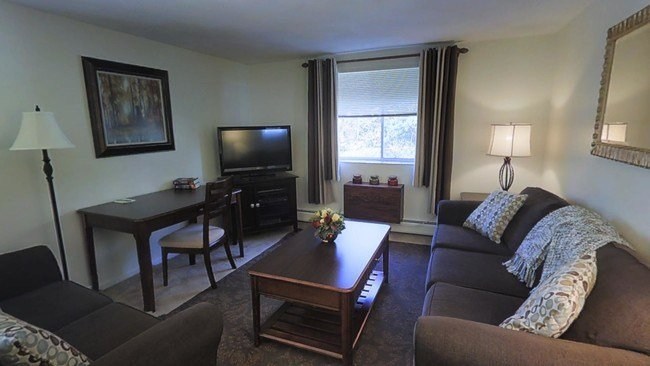 Best J E Furnished Apartments Of Waltham Apartments Waltham With Pictures