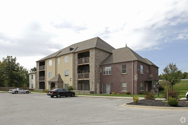 Best Martin Riley Apartments Apartments Springfield Mo With Pictures