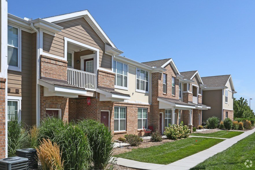 Best Legacy Commons Apartments Rentals Omaha Ne Apartments Com With Pictures