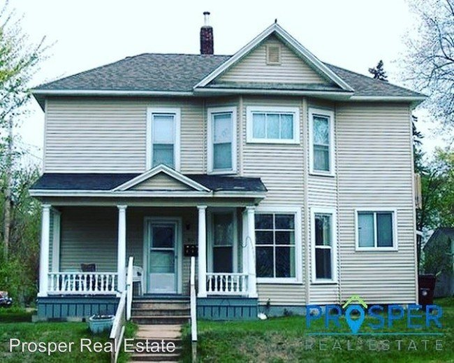 Best 211 Fulton St Eau Claire Wi 54703 Apartment For Rent With Pictures
