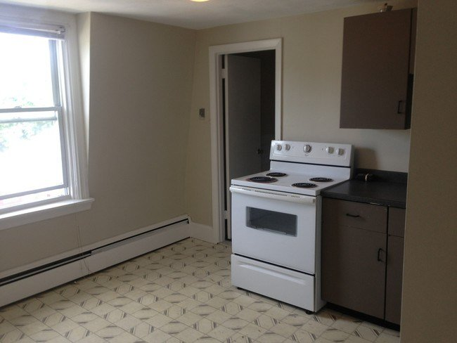 Best Large 1 Bedroom All Utilities Included Apartment For With Pictures