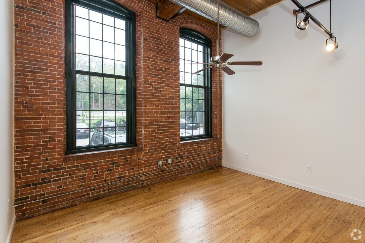 Best The River Lofts At Ashton Mill Apartments Cumberland Ri With Pictures