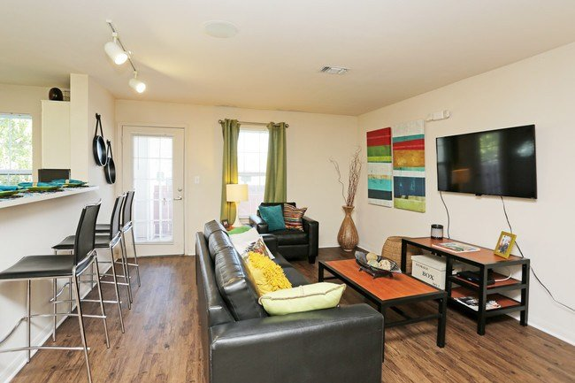Best The View Apartments Lincoln Ne Apartments Com With Pictures