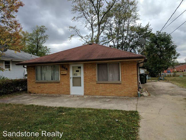 Best 564 Wesley Ave Elyria Oh 44035 House For Rent In With Pictures