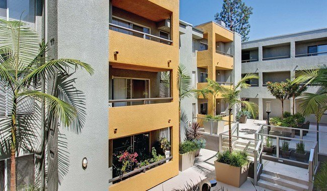 Best The Crescent At West Hollywood Rentals West Hollywood With Pictures