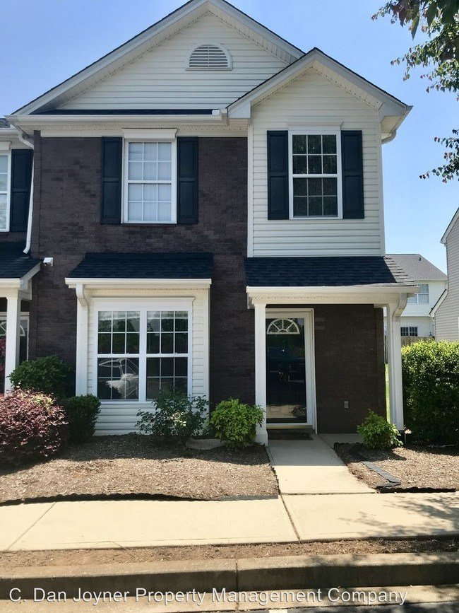 Best 3 Br 2 5 Bath House 731 Rock Hill Ct House For Rent In Greenville Sc Apartments Com With Pictures