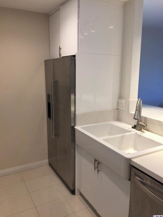 Best 2 Bedroom In Los Angeles Ca 90042 Condo For Rent In Los With Pictures