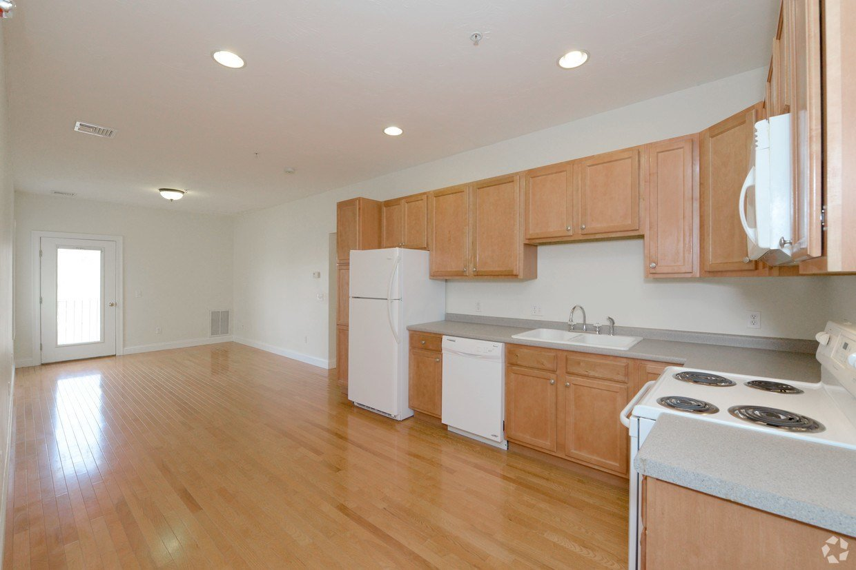 Best Corner Stone Apartments Apartments Fall River Ma With Pictures