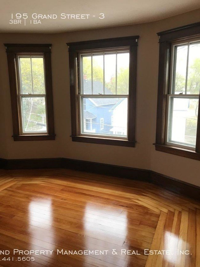 Best 3 Bedroom In Woonsocket Ri 02895 Apartment For Rent In With Pictures