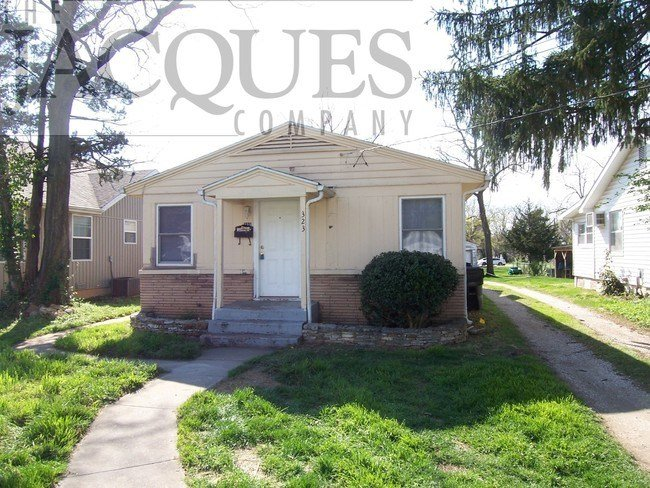 Best 2 Bedroom Duplex Central Location House For Rent In Springfield Mo Apartments Com With Pictures