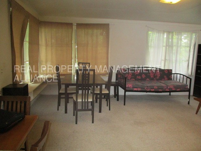 Best 2 Bedroom In Convenient Manoa Apartment For Rent In With Pictures