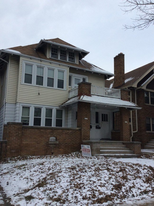 Best Three Bedroom Upper Uwm Area House For Rent In With Pictures