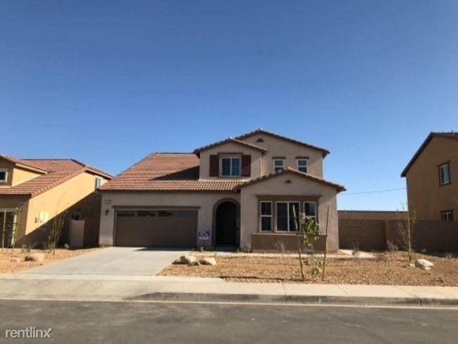 Best 4 Br 3 5 Bath House 11907 Beckham Place House For With Pictures