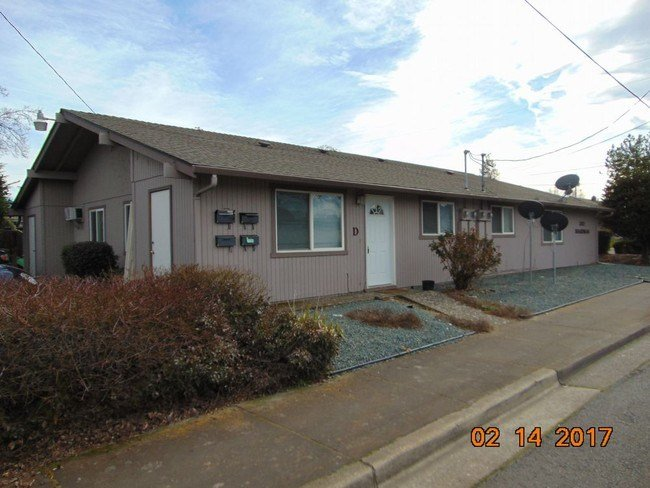 Best Northwest Medford 1 Bedroom Apartment Apartment For Rent With Pictures