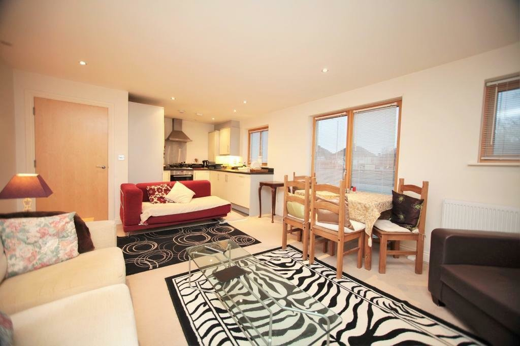 Best 1 Bedroom Flat In Liberty Court Great North Way Hendon Nw4 In Hendon London Gumtree With Pictures