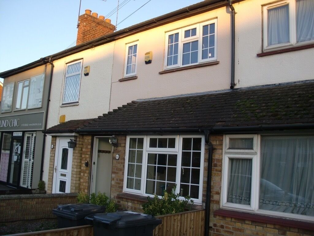 Best 2 Bedroom House For Rent In Langley Slough In Slough With Pictures