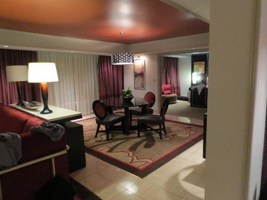 Best 2 Bedroom Tower Suite Living Area Picture Of The Mirage Hotel Casino Las Vegas Tripadvisor With Pictures