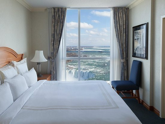 Best Fallsview 2 Bedroom Suite Picture Of Niagara Falls With Pictures