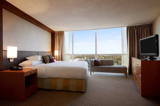 Best Presidential Suite Bedroom Picture Of Hilton Memphis With Pictures